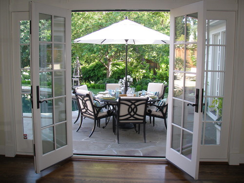 5 french patio door designs and ideas tampaexteriors for Back door with window that opens